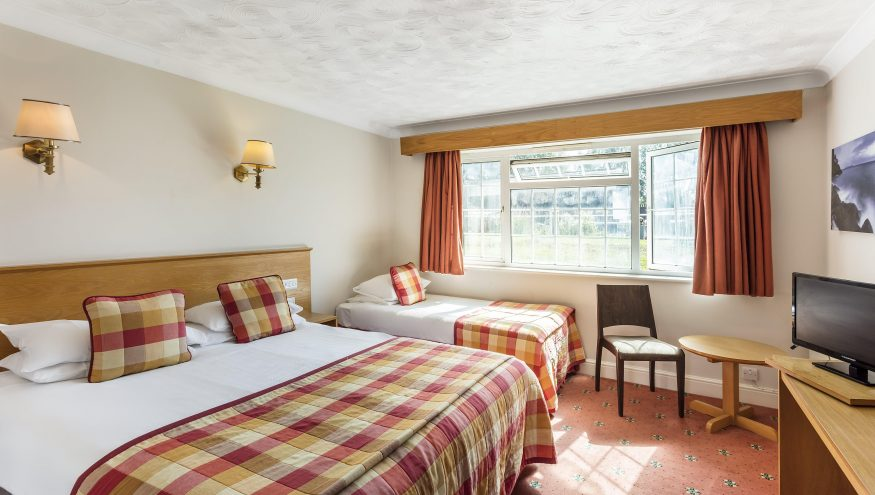 Hotel Room 3 min