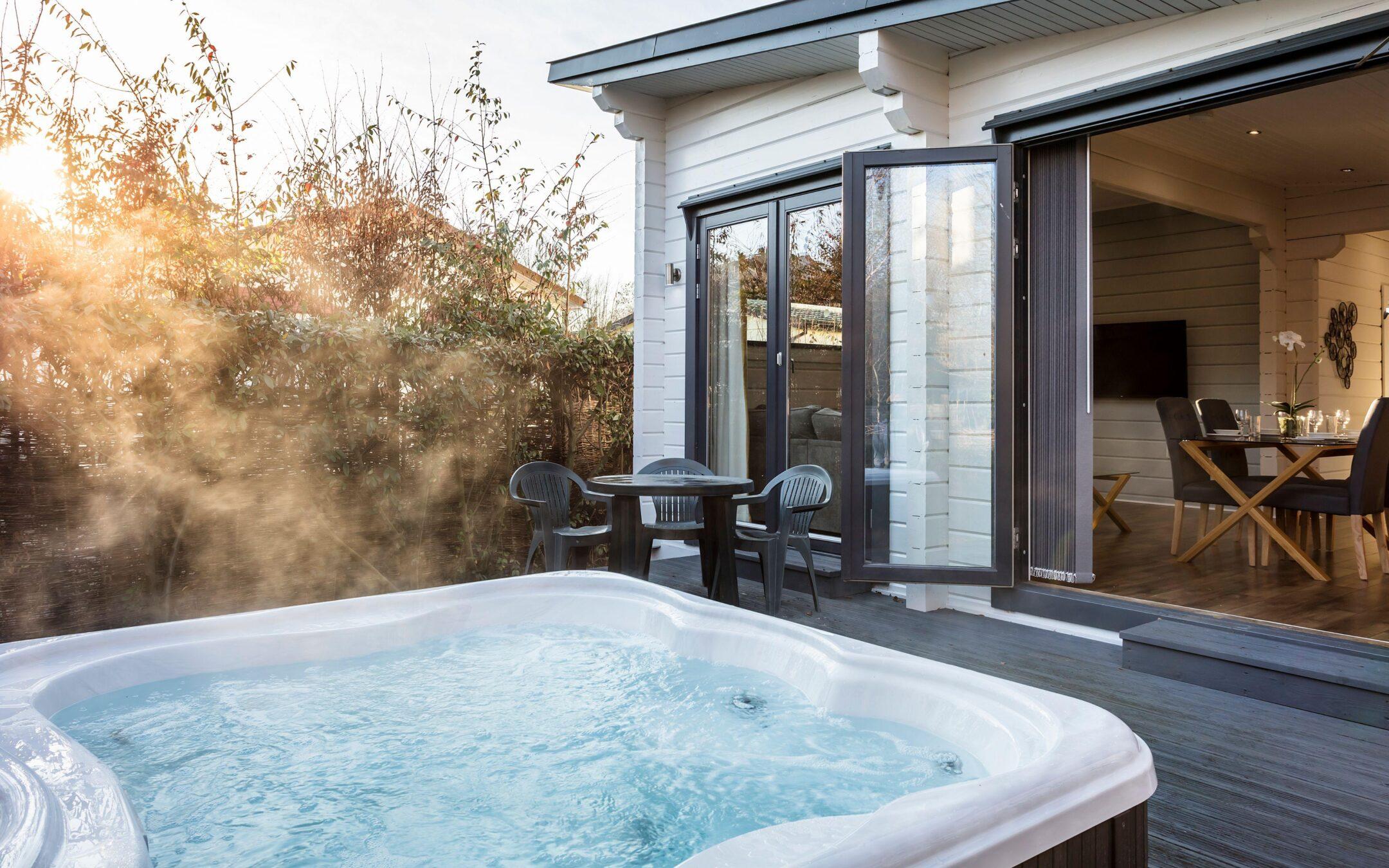 Hot Tub Lodge 15 1